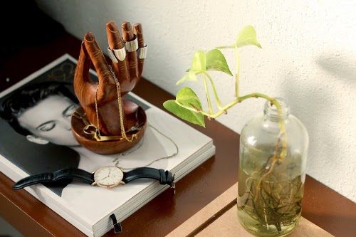 hand of buddha jewelry stand via kishani perera blog