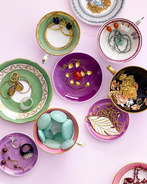vintage tea cups and saucers via kishani perera blog